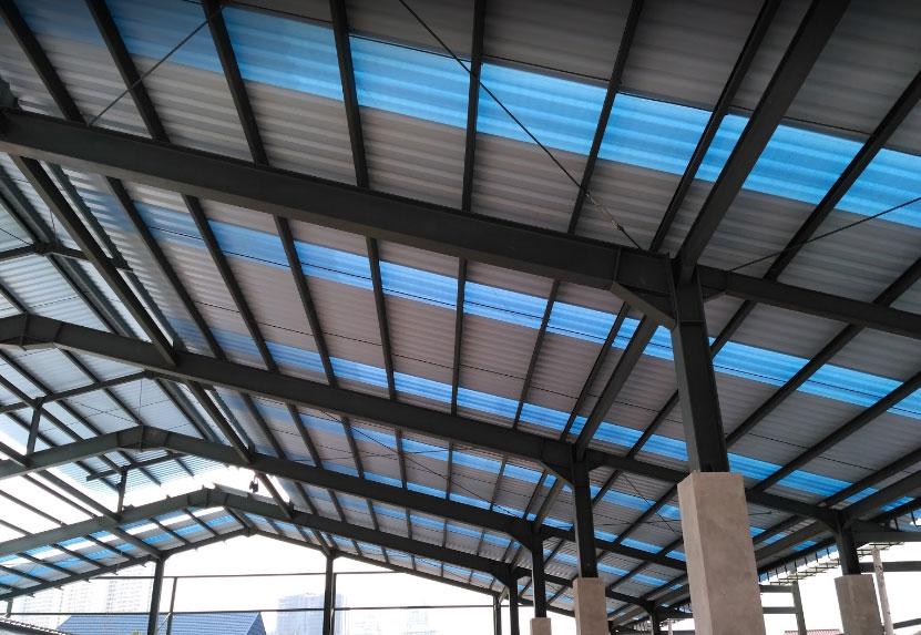 alderon atap semi transparan mengunakan rangka baja ringan