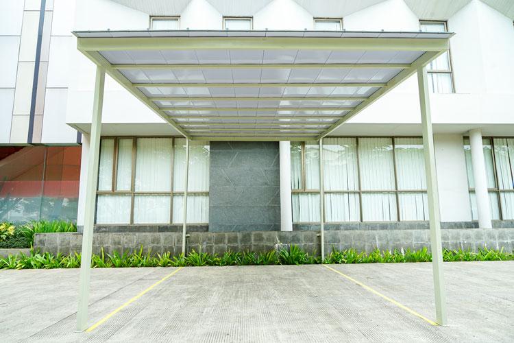 aplikasi ez-lock sebagai atap kanopi garasi mobil