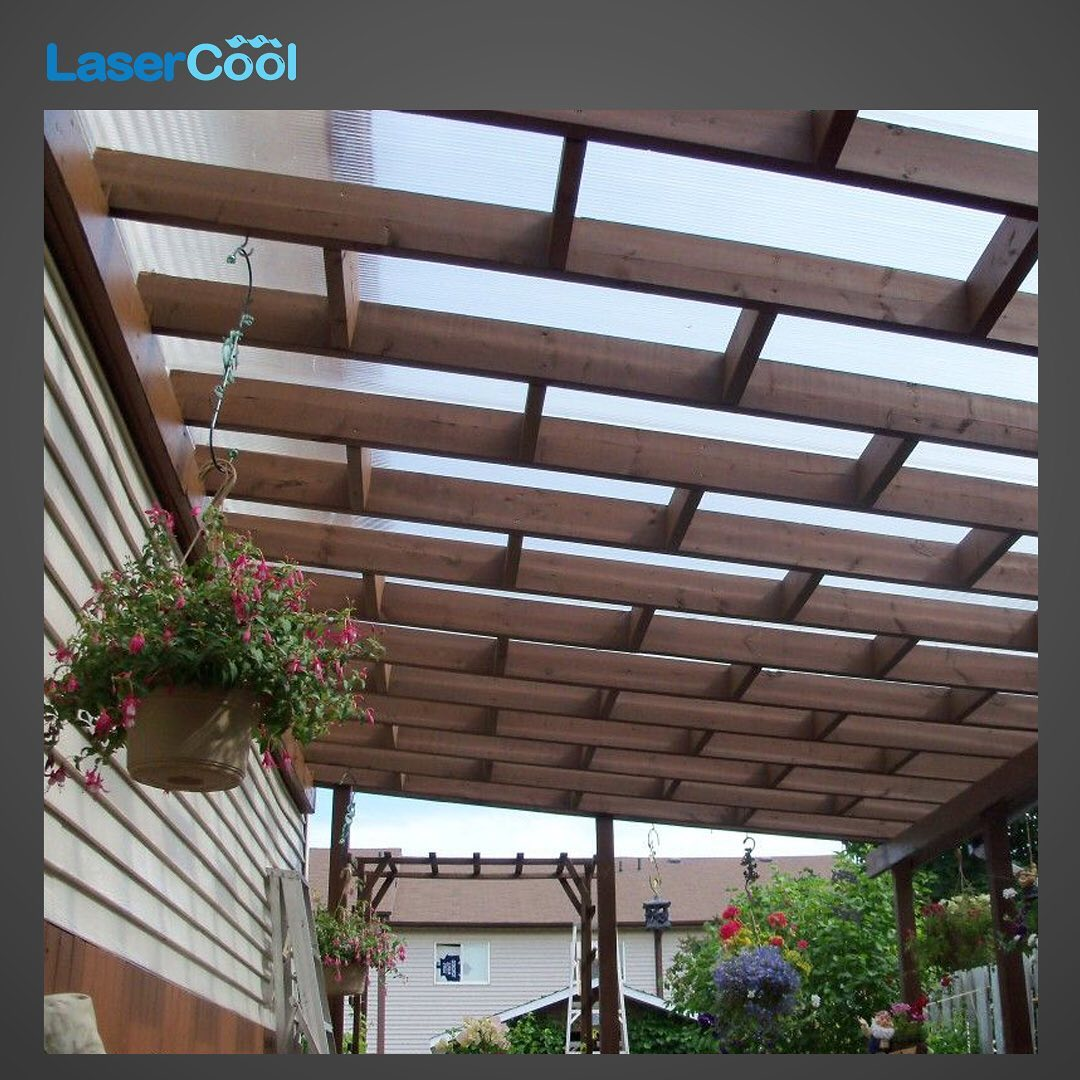 atap kanopi transparan rangka kayu