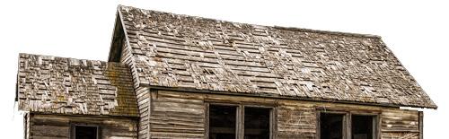 atap rumah tua yang termakan usia