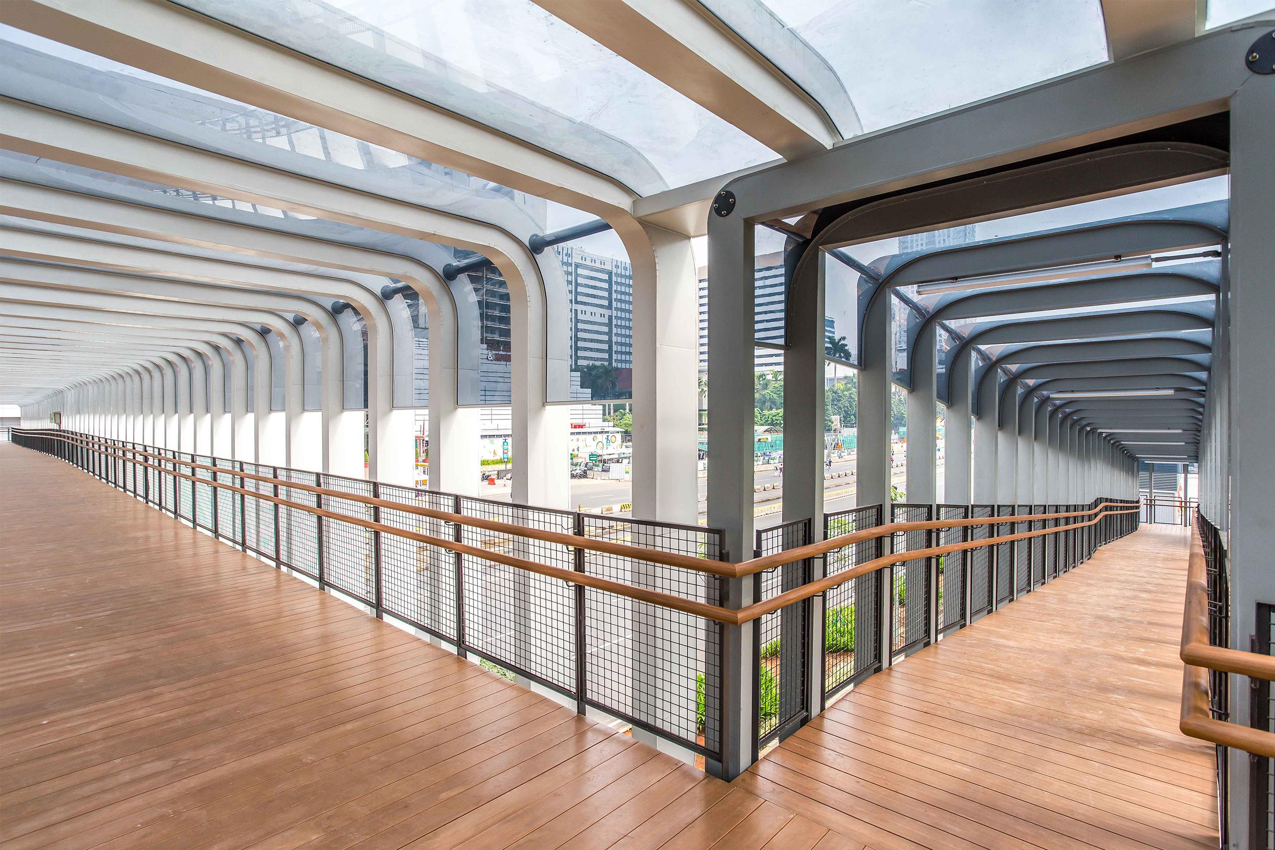 solartuff solid solarflat atap transparan jembatan jpo sudirman jakarta
