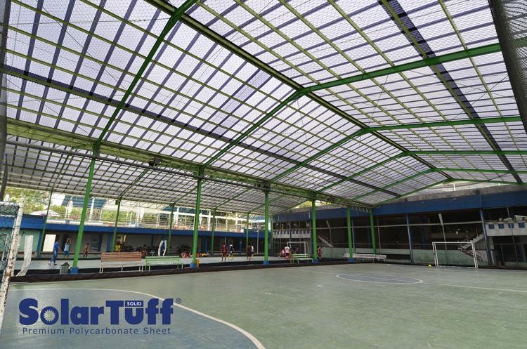 solartuff solid solarflat sebagai atap utama pada lapangan futsal