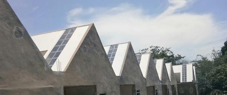 atap pvc lasercool dan atap upvc alderon dikombinasikan sebagai skylight
